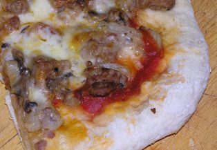 sausage-pizza.jpg